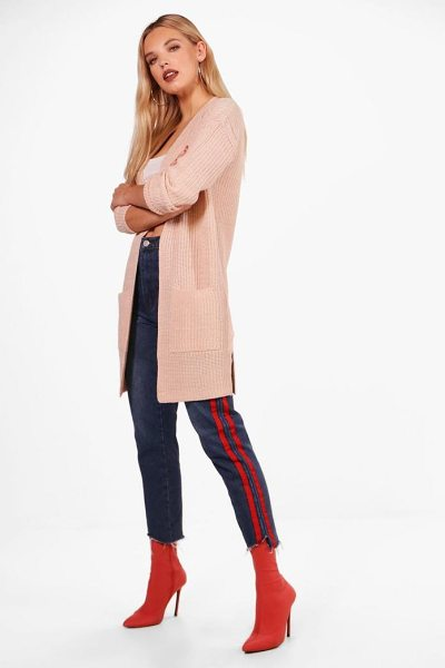Boohoo Lucy Ribbed Knitted Edge To Edge Cardigan in blush - Nail new season knitwear in the jumpers and cardigans...