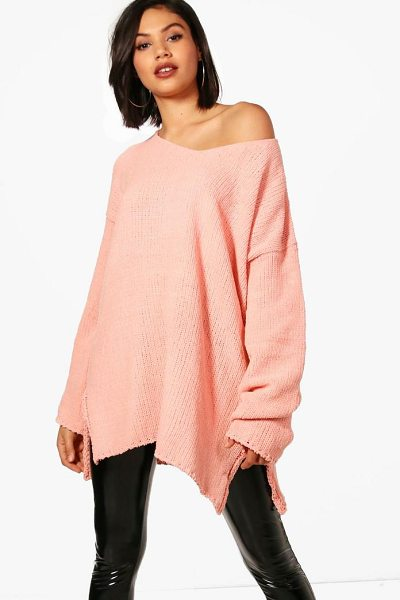 Boohoo V Neck Chenille Jumper in blush - Nail new season knitwear in the jumpers and cardigans...