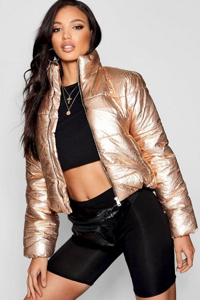 Boohoo Metallic Crop Puffer Jacket in gold - Wrap up in the latest coats and jackets and get...