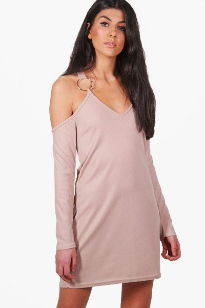 BOOHOO Niamh Rib O-Ring Cold Shoulder Shift Dress - Dresses are the most-wanted wardrobe item for...