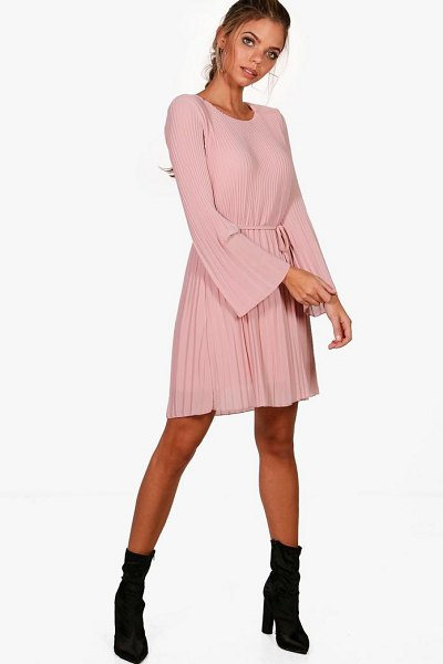 Boohoo Pleated Shift Dress in blush - Dresses are the most-wanted wardrobe item for...