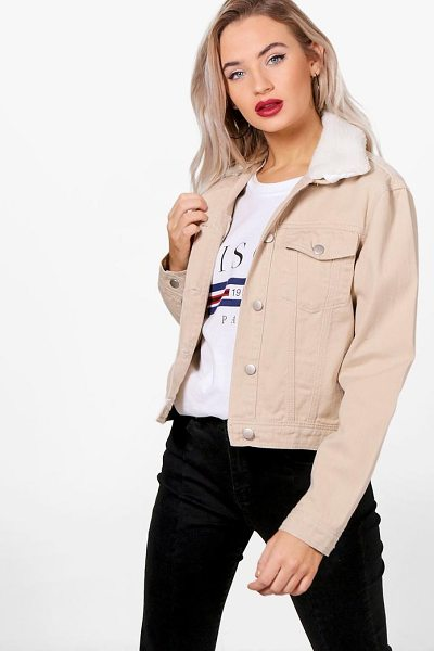 Boohoo Slim Fit Borg Collar Denim Jacket in stone - A denim jacket is an eternal casualwear favourite. In a...