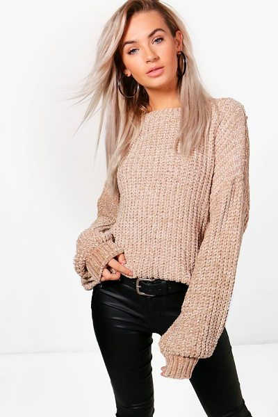 Boohoo Sarah Oversized Chenille Jumper in khaki - Nail new season knitwear in the jumpers and cardigans...