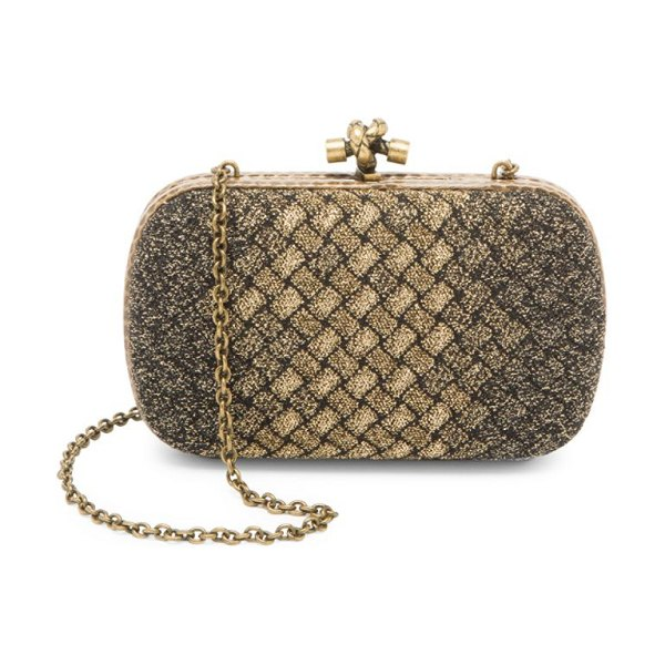 Bottega Veneta knot clutch-on-chain in gold - Trompe l'oeil woven fabric enhances this clutch with a...