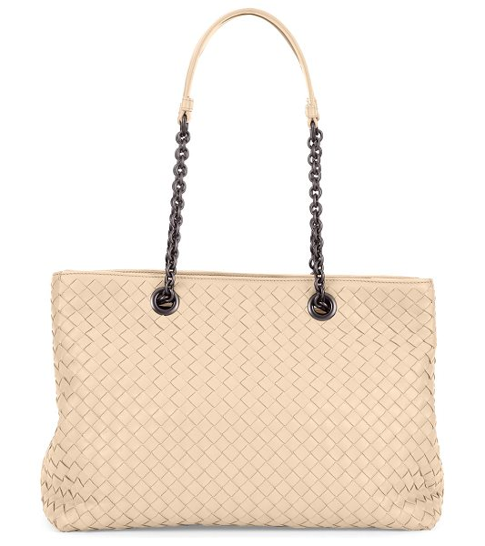 Bottega Veneta Intrecciato Medium Double-Chain Tote Bag in beige - Bottega Veneta tote bag in signature intrecciato woven...