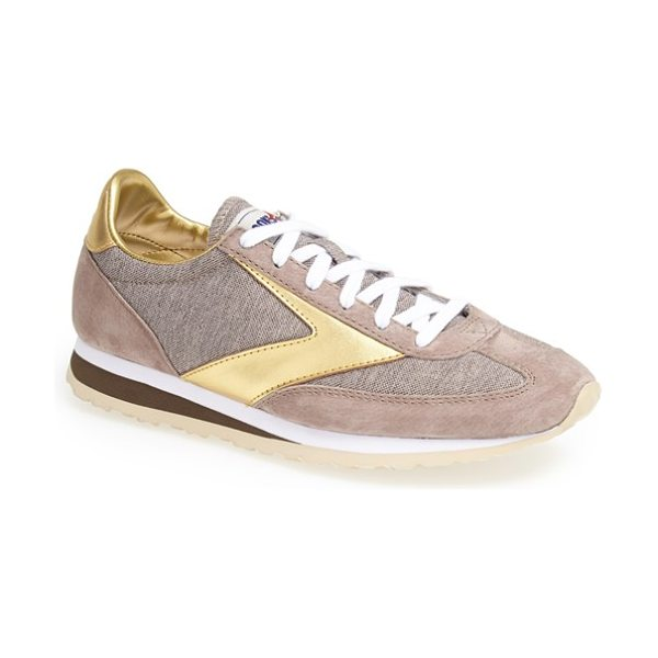 Brooks vanguard sneaker in sand/ gold - Revisit the thrill of the '70s running boom with the...