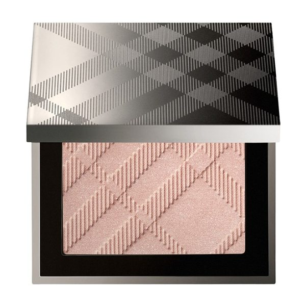 Burberry Beauty 'fresh glow' luminous highlighting powder in no. 01 nude radiance