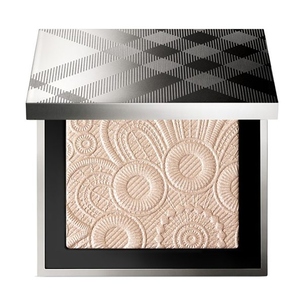 Burberry Beauty Spring/summer 2016 runway palette in no. 02 nude gold