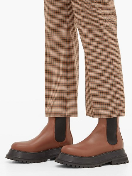 Burberry braemar chunky leather chelsea boots in tan