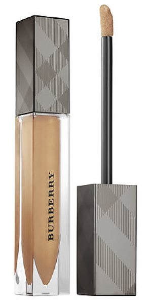 Burberry kisses lip gloss trench kiss no. 05 - A moisturizing, lightweight, non-sticky gloss that...