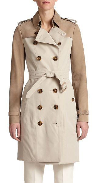 Burberry London Bytham mixed-media trenchcoat in stone - Sumptuous leather panels elevate this timeless...