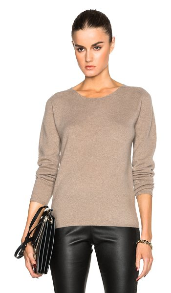 BURBERRY LONDON Seamless cashmere jumper - 100% cashmere.  Made in China.  Knit fabric.  Rib knit trim.