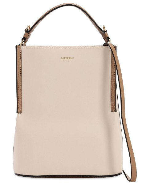 Burberry Smooth leather bucket bag in buttermink