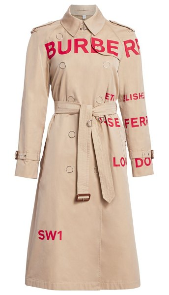 Burberry wharfbridge logo trench in honey - The iconic Burberry trench is reimagined with an...