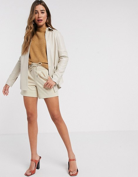 B.young relaxed shorts-tan in tan
