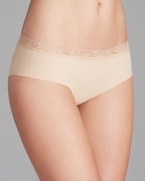 Calvin Klein Invisibles with Lace Hipster #D3518 in bare