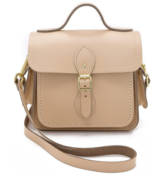 CAMBRIDGE SATCHEL Small traveller bag with side pockets - A petite Cambridge Satchel shoulder bag with buckles at...