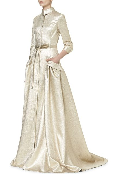 Carolina Herrera gold lame trench gown in gold - Metallic trench gown detailed made from a luxe silk...