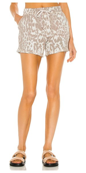 Chaser linen french terry easy shorts in white cheetah
