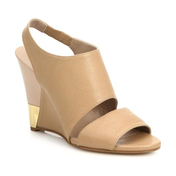 Chloe Leather wedge sandals in nude-gold - Metal trim at the heel of these sleek wedge sandals...