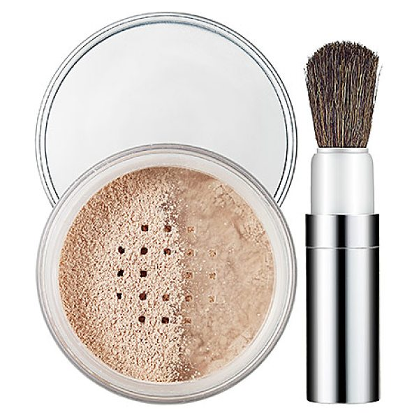 Clinique blended face powder and brush transparency neutral - A blended powder with a loose, lightweight texture...