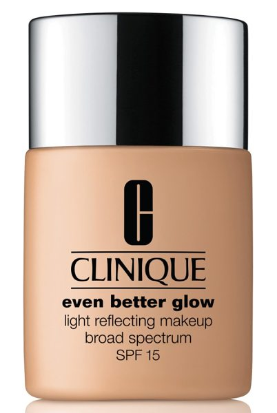 CLINIQUE even better glow light reflecting makeup broad spectrum spf 15 - What it is: A dermatologist-developed foundation that...