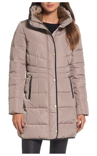 COLE HAAN SIGNATURE cole haan quilted down & feather fill jacket with faux fur trim in beige