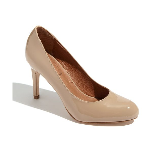 CC Corso ComoR cc corso como 'del' pump in beige patent/dnu - A supple leather lining and cushioned footbed lend...