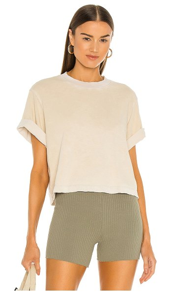 COTTON CITIZEN the tokyo crop tee in vintage oatmeal