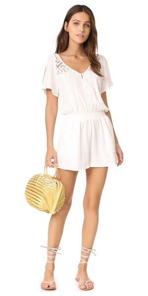 Cult Gaia lilleth bag in natural - This structured Cult Gaia bag with a collapsible...