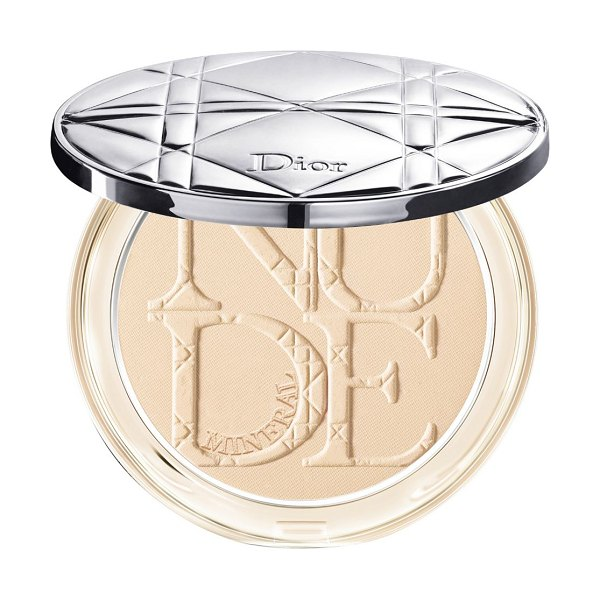 Dior skin mineral nude natural matte perfecting powder in nude,