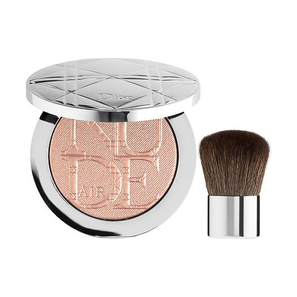 Dior skin nude air luminizer powder 001 - A light and airy highlighting powder with a...