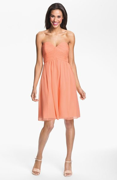 Donna Morgan morgan strapless silk chiffon dress in peach fuzz - A delicate chiffon dress with a strapless sweetheart...