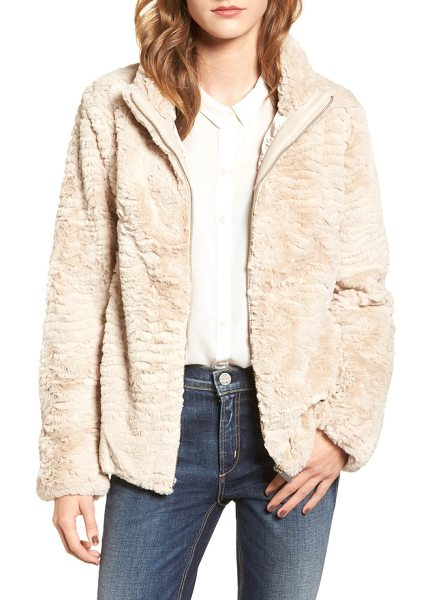 DOROTHY PERKINS faux fur jacket - This stylish and warm jacket is cut from exceptionally...