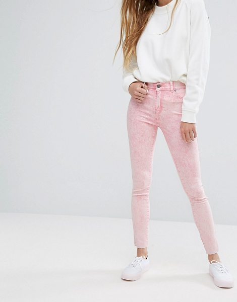 "Dr Denim plenty mid rise jeans with raw hem in pinkripped - """"Jeans by Dr Denim, Stretch denim, Mid rise, Concealed..."