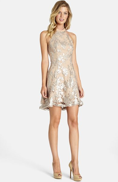 Dress the Population abbie minidress in silver/ nude - This fit-and-flare dress with a high neckline and...