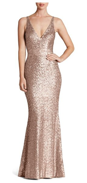 Dress the Population harper mermaid gown in rose gold - Satin-finish sequins glisten over every curve flaunted...