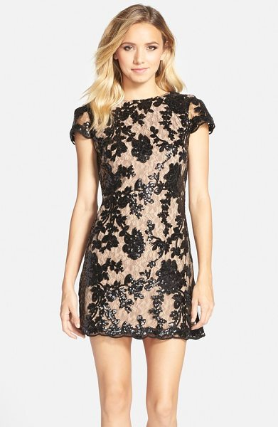 DRESS THE POPULATION hope lace sheath dress - Sequined flowers and a gently scalloped hemline...