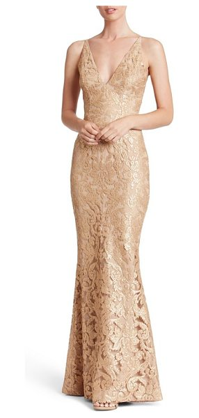 Dress the Population karen mermaid gown in gold/ nude - Equal parts sultry and romantic, this figure-flaunting...