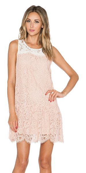 ESSENTIEL Kason dress - Cotton blend. Fully lined. Lace fabric with scalloped...