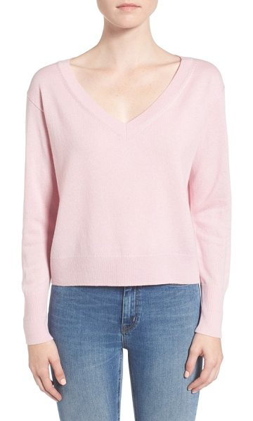 EVERLANE the cashmere crop v-neck sweater in soft pink - Knit from grade-A Mongolian cashmere, this gorgeously...