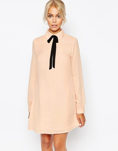Fashion Union Shirt dress with tie neck in nude - Casual dress by Fashion Union Woven fabric Lined design...
