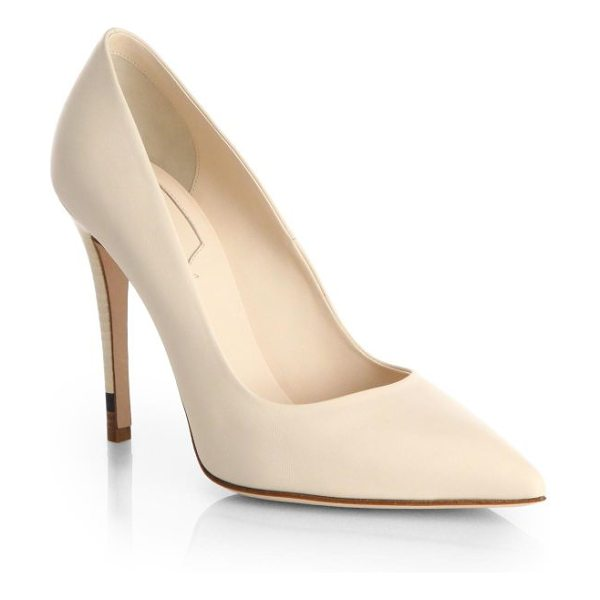 Fendi Anne leather point-toe pumps in beige - Meticulously tailored point-toe pump in supple leather...