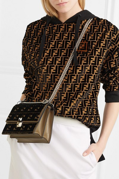 Fendi kan i small flocked leather shoulder bag in brown