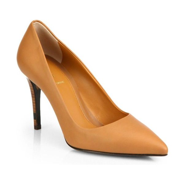 Fendi Leather point-toe pumps in brown - A signature Fendi colorblock heel lifts this supple...