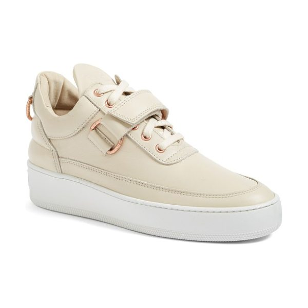 Filling Pieces sneaker in beige - Downtown attitude and uptown sophistication strike a...