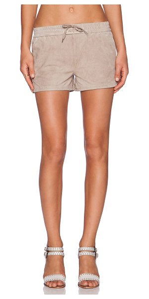 FINE COLLECTION Short in taupe - 100% leather. Professional leather clean only. Shorts...
