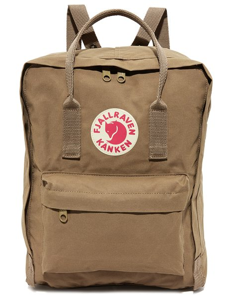 Fjallraven kanken backpack in sand - A sturdy Fjällräven backpack, detailed with a reflective...