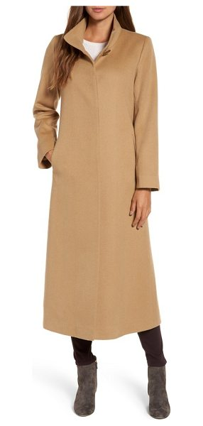 FLEURETTE cashmere long coat - The warm luxury of a full-length cashmere overcoat with...