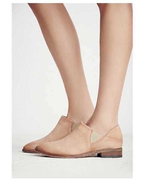 FP COLLECTION Azalea flat - Washed leather slip-on ankle boots featuring a pointed...